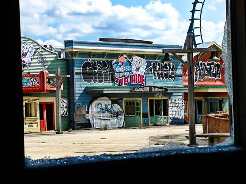 six-flags-graffiti2